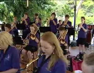 Imagen de La Big Band Helston School Jazz Orquestra interpretó un conciero en Doña Sinforosa